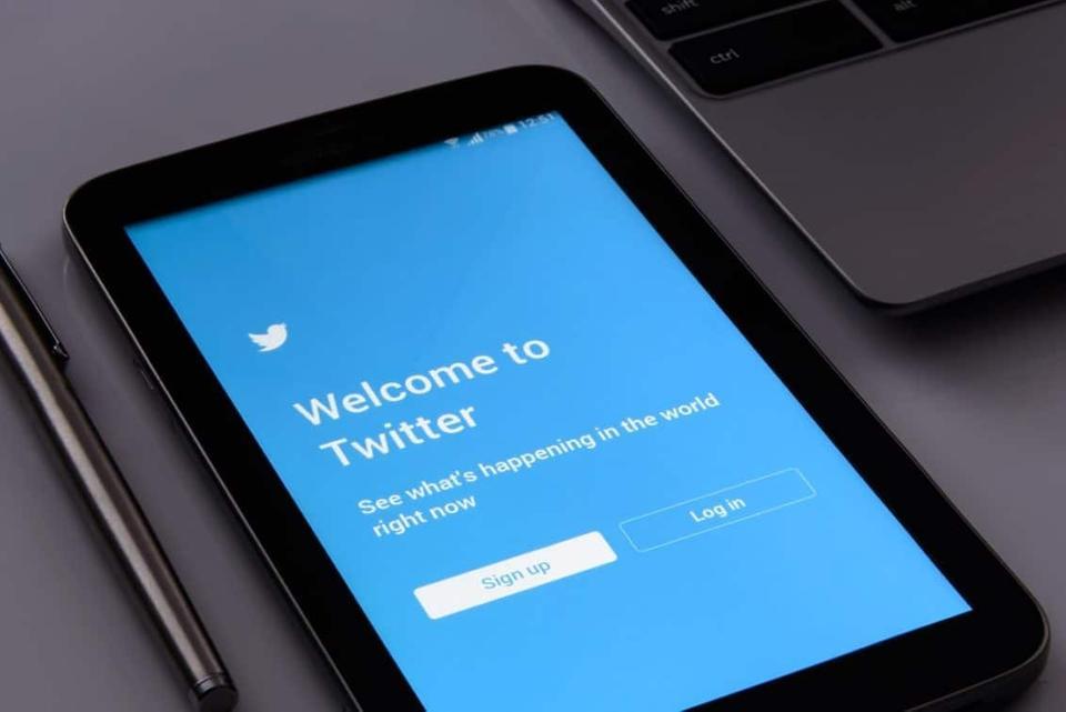الشركات العالمية تستخدم اللغة العربية لدعم محتواها على تويتر هل سيتجه إلى الذكاء الاصطناعي قريبًا ؟