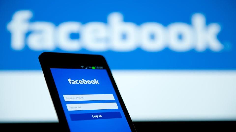ماسنجر فيس بوك يطبق الوضع الليلي مثل تويتر